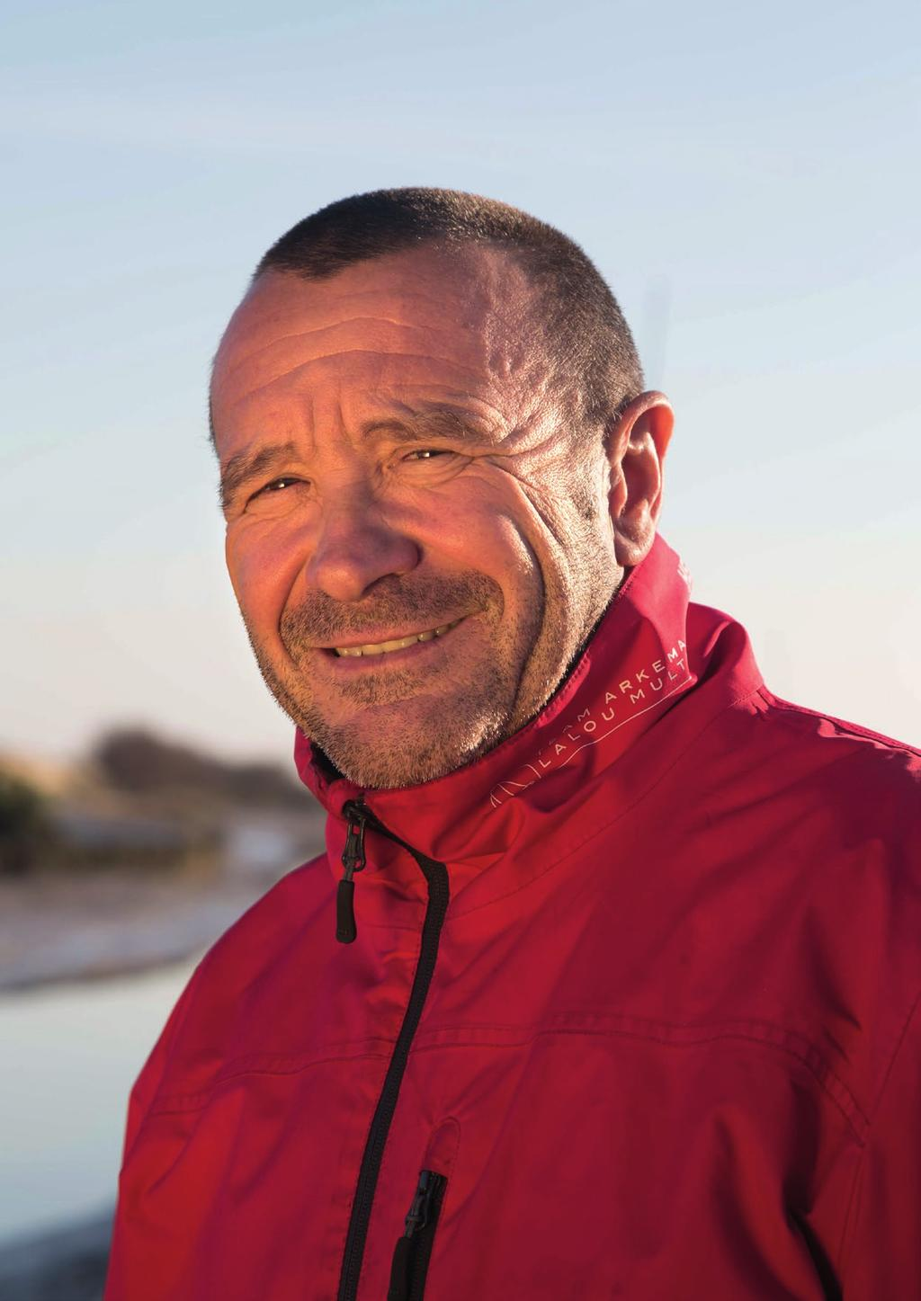 LALOU ROUCAYROL, A DETERMINED AND PIONEERING SKIPPER Nationality: French Age: 53 years old (born in Nantes on 9 July 1964) Lives in Verdon sur Mer, Married 2017 3 rd in Record SNSM 3 rd in Armen Race