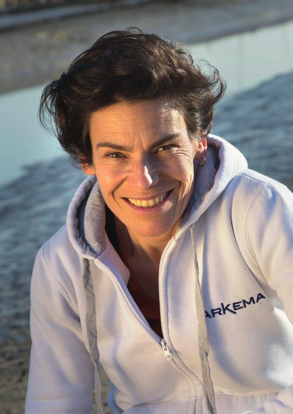KARINE FAUCONNIER, THE PERFORMANCE ASSET Nationality: French Age: 45 years old (born in La Rochelle on 11 March 1972) Lives in Locmiquelic, Single 2016 1 st in Transat Québec - Saint-Malo 2009 1 st