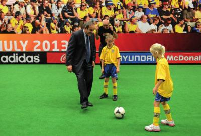 Big event = grassroots opportunity The President gets involved in a bit of grassroots football at the draw for the Women s EURO 2013 The outstanding success of s decision to peg a Grassroots Day and