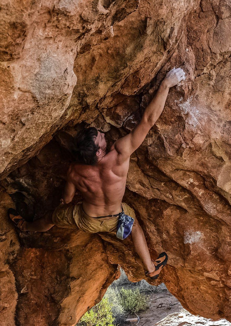 BOULDERING GRADES Like the rest of South Africa the grades of bouldering on Kagga Kamma work according to the Fontainebleau system. Grades are very subjective and have been a contested issue.