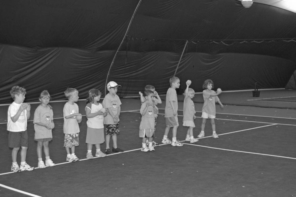 Tennis - Junior Clinics (4 Week session starts: 6/2, 6/30 & 7/28) Minilobbers / Beginner Ages 4-6 M: $80 NM: $100 Microlobbers / Beginner Ages 5-7 M: $80 NM: $100 Topspinners (Beginner Player) Ages 7