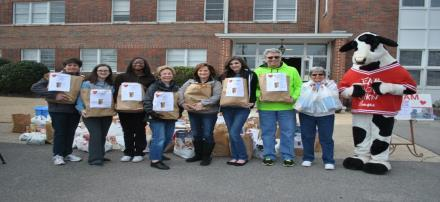 "PAINE CAMPUS LOVE YOUR NEIGHBOR The Trussville Community participates in the annual Valentine ""Love Your Neighbor Food Drive,"" and the Paine Intermediate family will participate once again this year!"