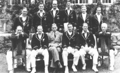 A CENTURY OF REJECTION The 1932 Australian Cricket Team in Canada. Don Bradman is seated second from the left.