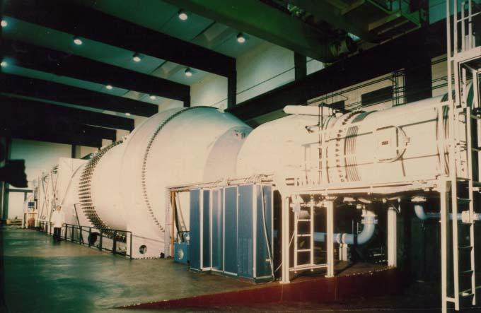 pressurized wind tunnel with a 1.5 m 1.5 m square test section (see Figure 1)