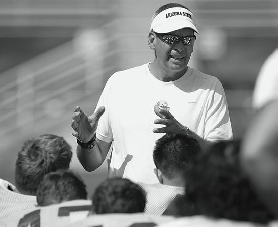 Throughout his career, Bray has coached in nine bowl games, including two New Year s Day bowl games and 10 Division I-AA playoff games during stints with the Idaho Vandals and Nevada Wolfpack.
