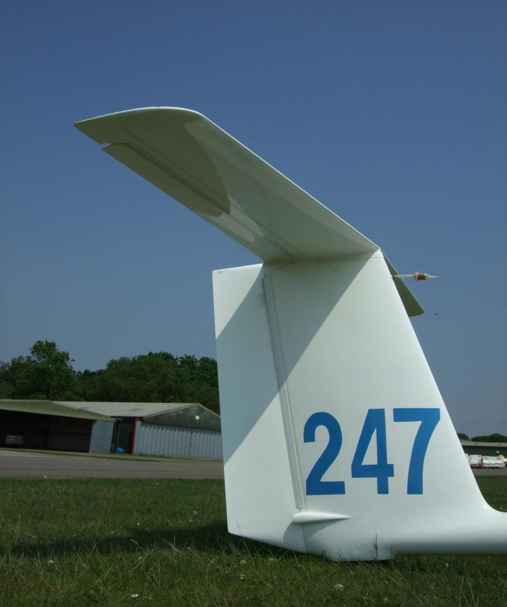 Tailplane to fin junction design (1) Narrow chord
