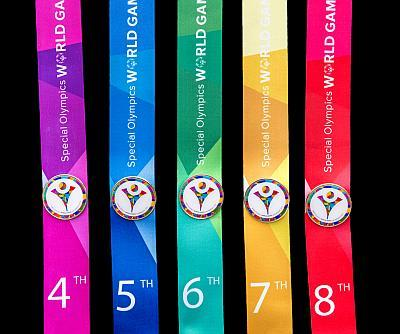 The World Games gold, silver and bronze medals and placement ribbons featured the 19 colors of the World Games logo.