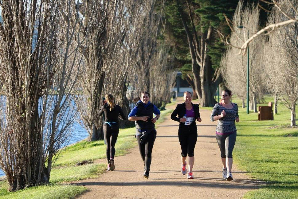 base kilometres Most marathon training plans range from 12-20 weeks. Beginning marathoners should aim to build their weekly kilometres up to 80 kilometres over the 4 months leading up to the marathon.