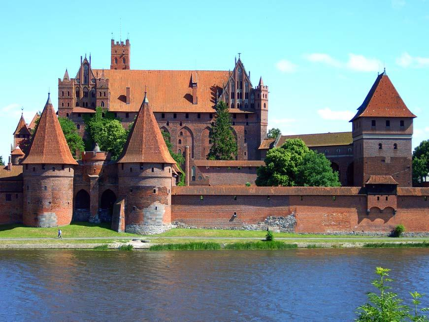 When the Margrave of Brandenburg invaded Pomerelia in 1308, the Polish duke hired the Teutonic Knights to defend the City of Gdańsk (Danzig) against the Brandenburg troops.