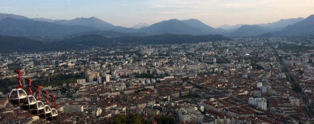 The host-town : Grenoble Grenoble is Isère s mountain stations capital city; it imposes itself naturally to welcome global tournaments.