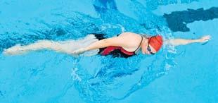 The side-lying position creates a narrow body shape, reducing form drag and lessening the water s resistance to forward movement. In the sidestroke, one arm leads Fig.