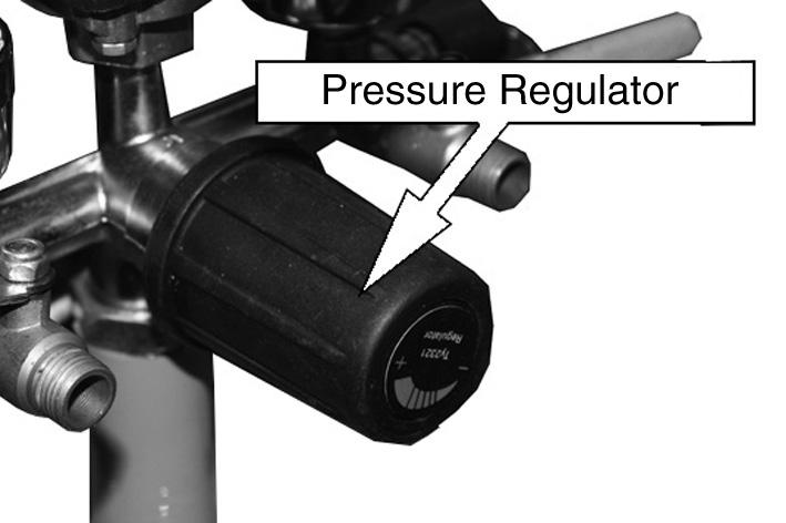 If the valve does not operate in this way, do not use the compressor.