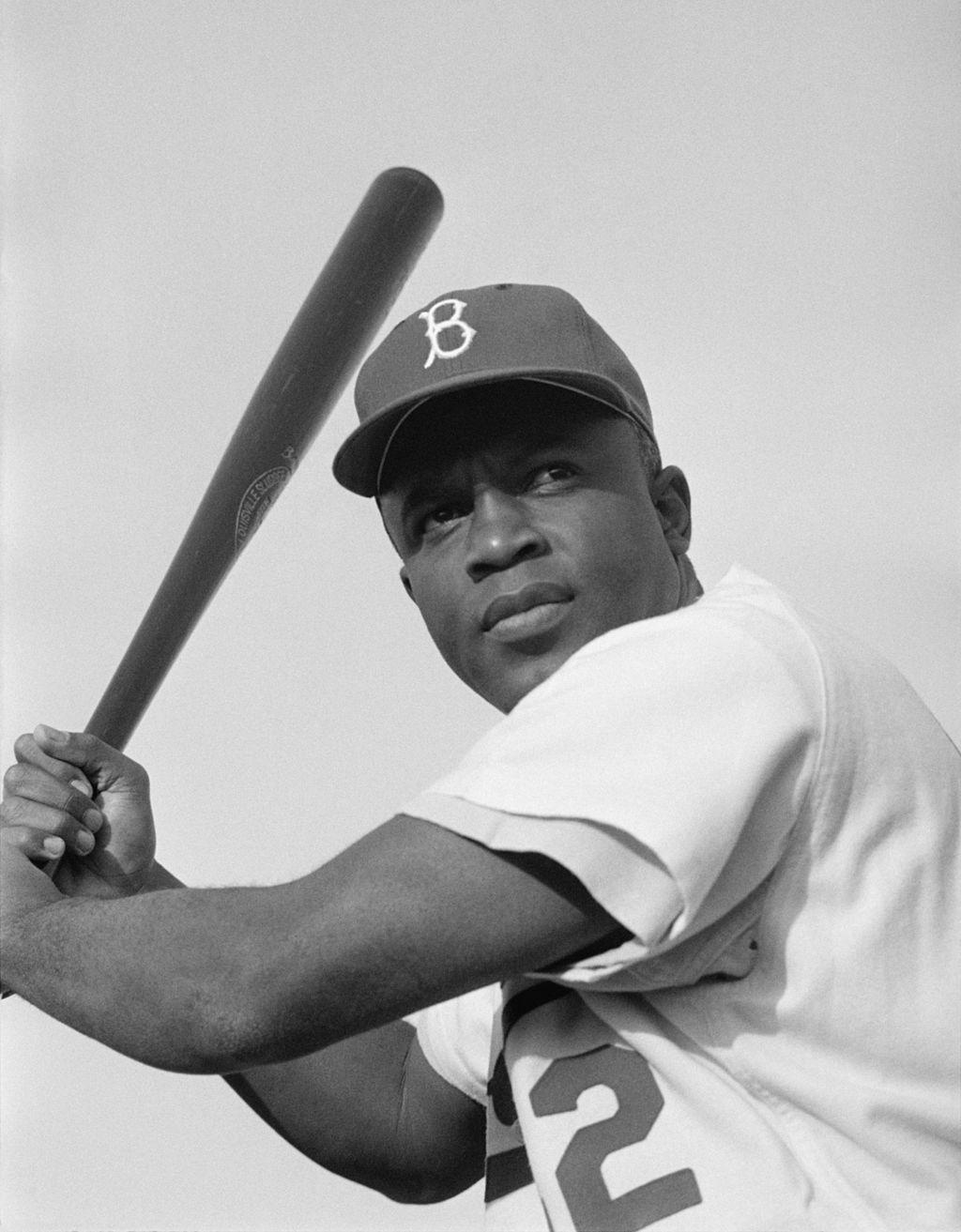 Name: Class: How Jackie Robinson Changed Baseball By Jessica McBirney 2017 Jackie Robinson (1919-1972) was a professional baseball player and the first African American to play in the Major Leagues.