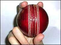 Travellers Sports Cricket Coaching Manual - Page 8 of 11 Running Between the Wicket Running between the wickets is more important that most people realize.