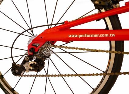 Adjust the chain length The proper chain length is determined by the sitting place of rear derailleur (pic 9).