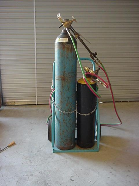 Oxygen & Acetylene Safety Good housekeeping practices improve the safety of any work area.