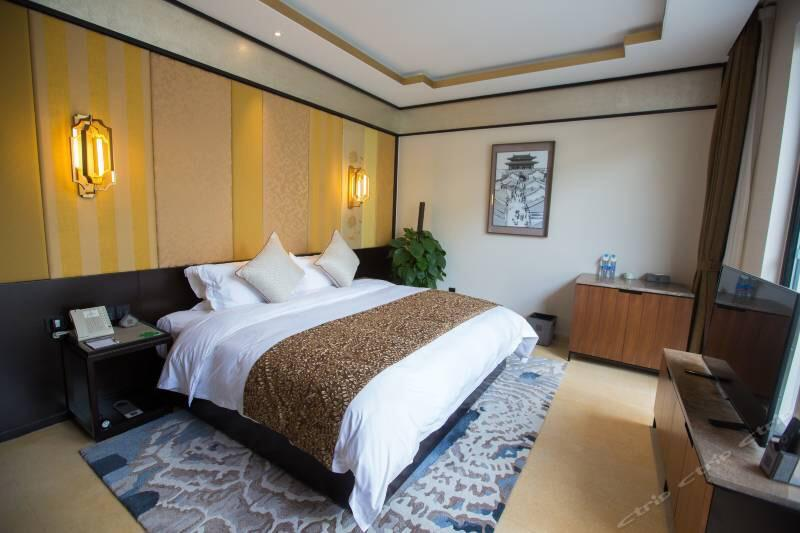 1800RMB/night/room/breakfast/hot spring 2 Family suite (3