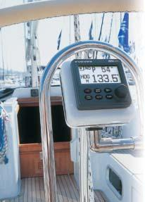 voyage Auto set-up and Self-learning for vessel speed and course Versatile, high-resolution LCDs allow for