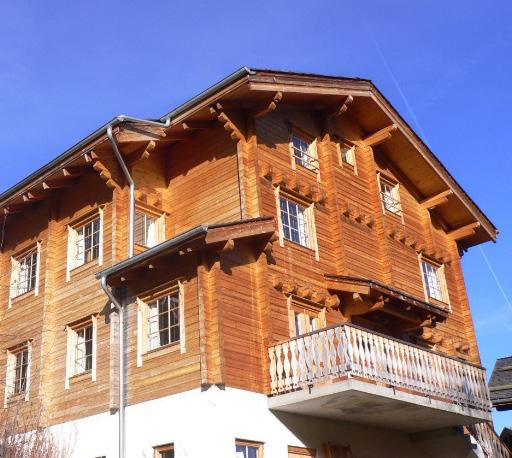 The Chalet Hotel La Tania, France 1 week, adult ski/snowboard holiday (7 nights half board plus) The Chalet Hotel La Tania, has an