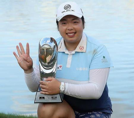 Player of the Year A- riya Jutanugarn, winner of 5 tournaments in 2016 including the Ricoh Women s British Open, China s