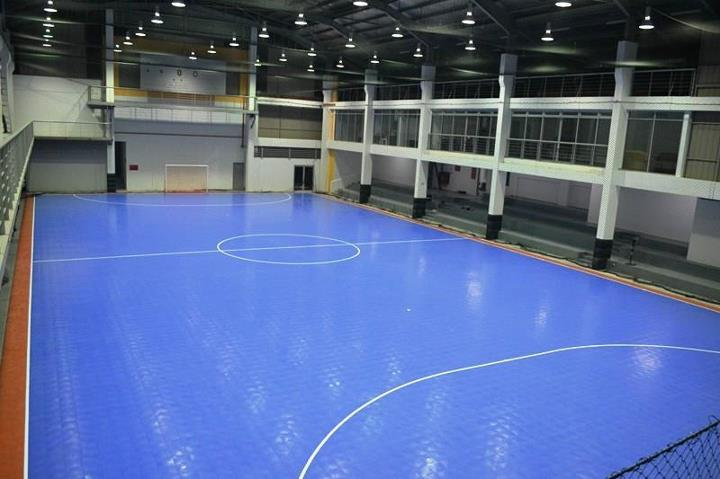 Futsal Court Our Futsal court is made of the latest technology interlocking plastic tiles. Measuring 20 x 40m it is fully compliant with FIFA s size specifications for FIFA sanctioned matches.