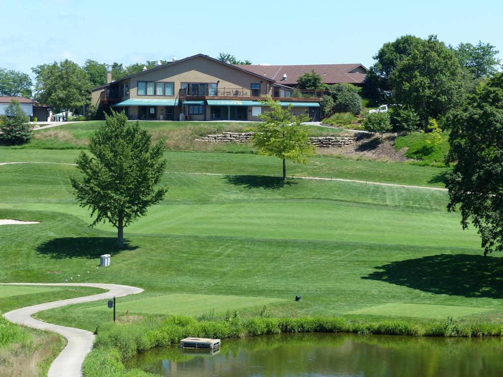 JOIN THE LCC FAMILY S ince 1914, Lawrence Country Club has provided a quality recreational