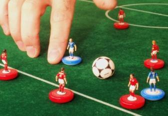 If back is claimed, the referee shall reposition the incorrectly flicked playing figure to its previous position.