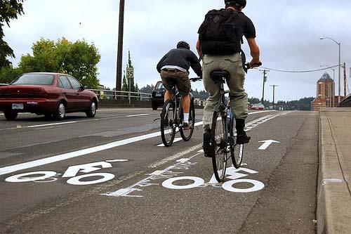 BICYCLE LANE WIDTHS SIDE BY SIDE RIDING Minimum widths of 6-8 feet: Allow cyclists to ride