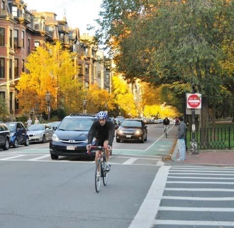 BICYCLE LANES ON ONE-WAY STREETS Generally, right side bike lanes preferred Left side bike lanes can be beneficial on one-way streets: