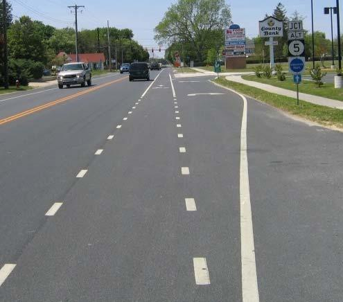 RIGHT TURN CONSIDERATIONS Bike lane may be dotted,