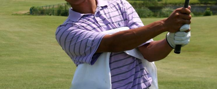 AT HOME DRILLS TOWEL DRILL Place a golf towel under your right arm.