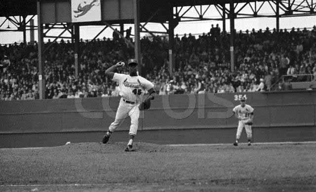 12. 1 13. 1 Frame 13.1 demonstrates that Gibson was a lunge-style pitcher.