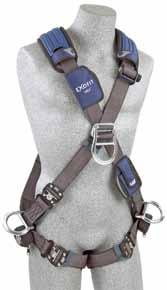 Small 1113079 Medium 1113082 Large CROSS-OVER STYLE HARNESSES A front-mounted D-ring makes the cross-over style