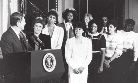 1982 1983 1985 1986 1 987 1986-85 1983 Center Cheryl Miller begins her career at USC and helps lead the Women