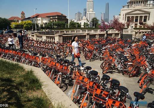 The disorderly parking issues of dockless shared bikes in Tianjin (Souce: ITDP & Visual China) The limited urban space cannot accommodate the barbarian growth of the dockless shared bikes while a