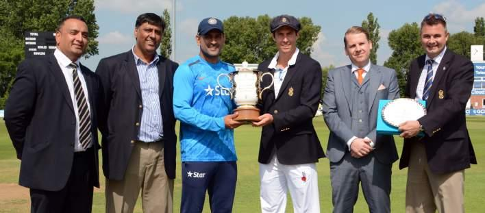 County Crick et Club MATCHDAY SPONSORSHIP MATCH SPONSORSHIP Sponsor a T20 Blast (20-over match) or Royal London One-Day Cup (50-over match) fixture and receive the following: Full Corporate