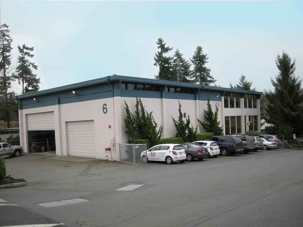 Available Eastside Industrial Properties Marymoor Industrial Building 17622 NE 67th Ct, Ste C 12,627 12,627 198 Pace Bell Building 1331 Bel-Red Rd, Ste 21 Bellevue, WA 984 12, 12, 8 8 1968 DH/1 GL