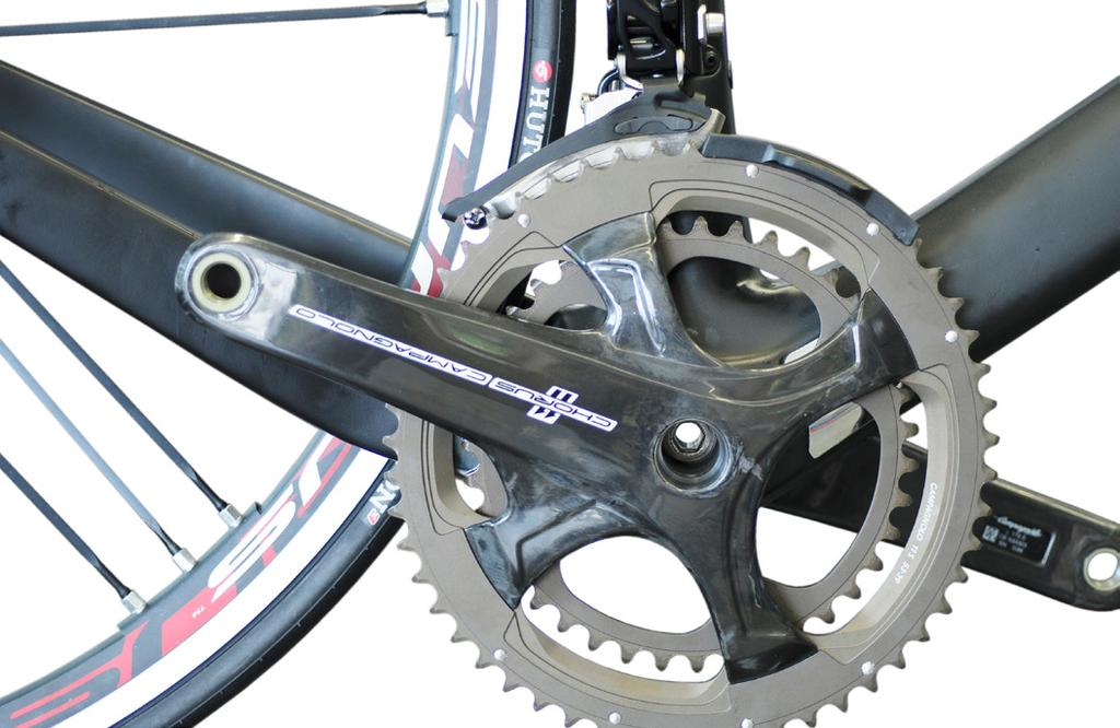 7 2) Check that the tool is compatible with your crankset (Fig. 8).