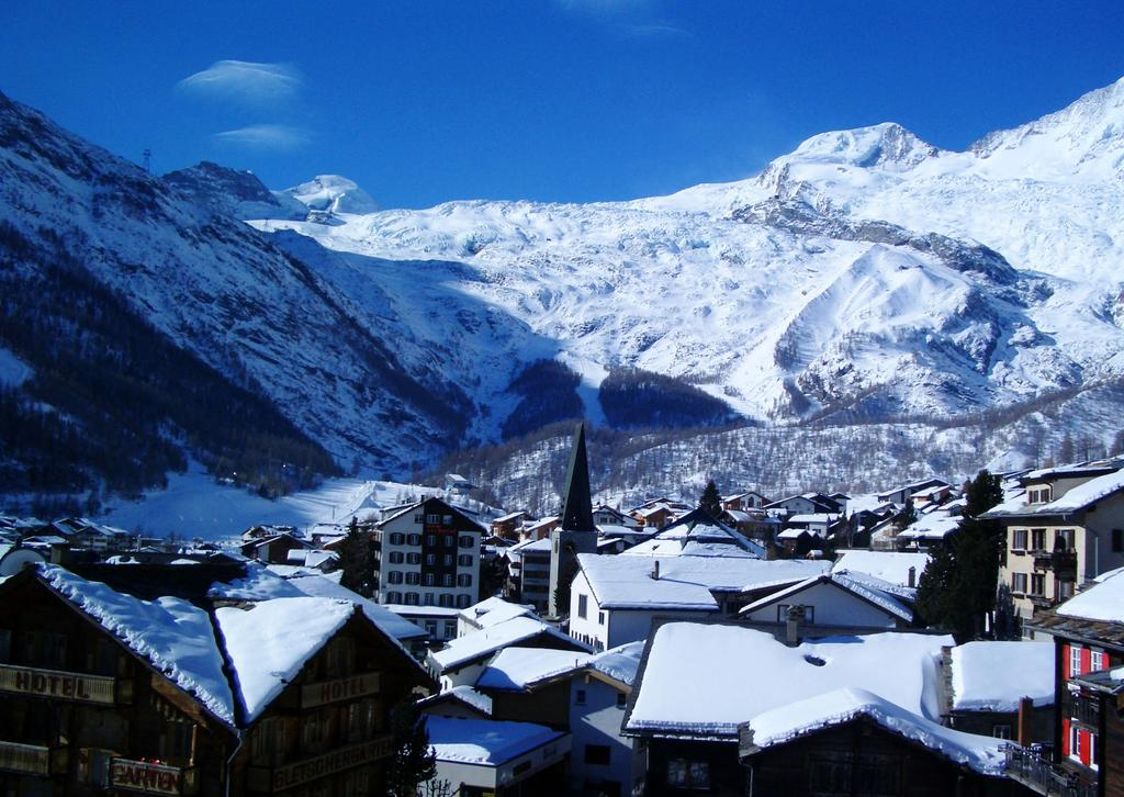 Resort Information Saas Fee is one of our favourite resorts, a high altitude, traditional traffic free village sitting at 1800m in a dramatic mountain setting.