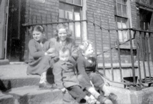 Growing up in Ballyer 50s, 60s, 70s Ken Larkin Born to Patrick and Phyllis Larkin on the 25th June 1952 at Holles Street hospital; my sister Gilda was 4 years old at the time.