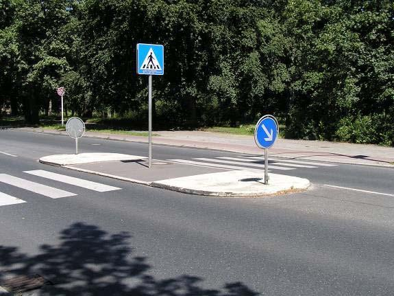 Pedestrian refuges and medians A pedestrian refuge island is most useful in two-way way