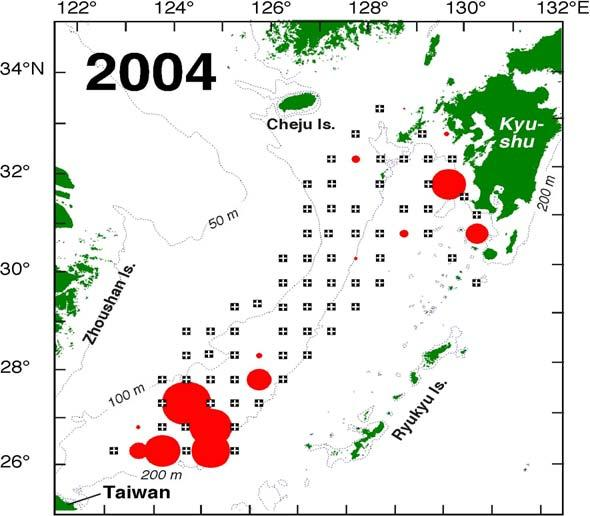 Horizontal distribution of the juveniles in April 2001 & 2003