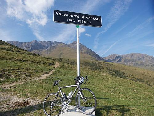 T H E C L I M B S Col du Tourmalet (Western climb) 2115m (1,387m height gain) 19km from Luz average 7.5% (max 9.