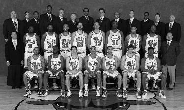 2009-2010 CHICAGO BULLS Left to right: (front row): Acie Law, Ronald Flip Murray, Kirk Hinrich, Derrick Rose, Janerro Pargo, Joe Alexander, Devin Brown.