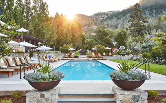 CALISTOGA RANCH 4 Days/3 Nights at 5-star Auberge Resort Calistoga Ranch Exclusive 2,400 square foot Owner s Lodge offers the ultimate