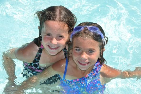 GROUP SWIMMING LESSONS Sign your child up for group swimming lessons in June or July (or both)! All levels are offered both sessions.
