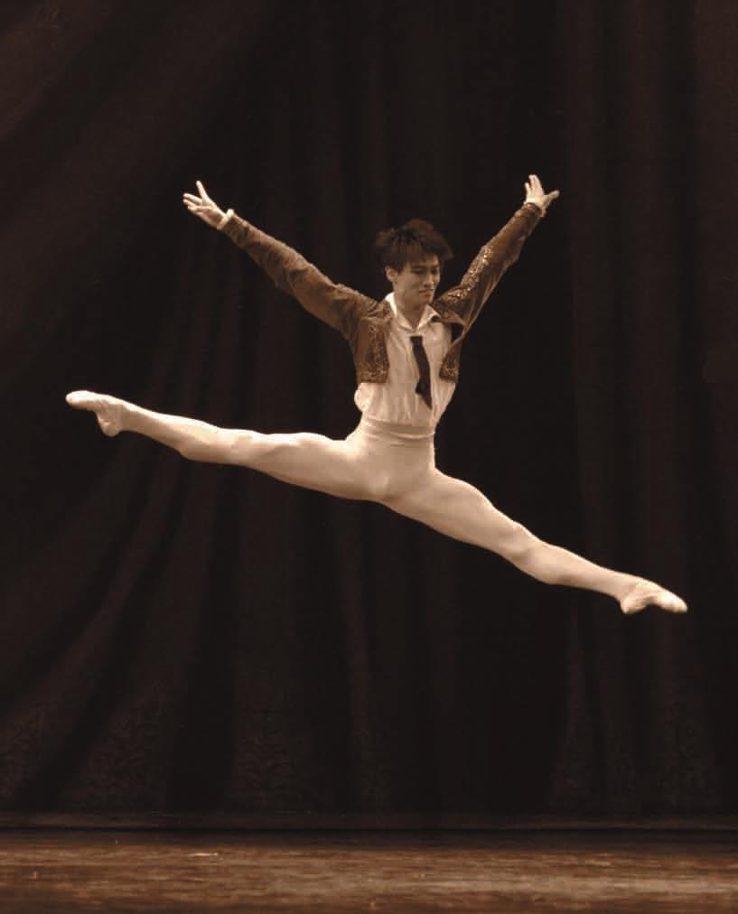 PRO Dance Prize-winner at international ballet competitions in Rome (1st prize, 2008), Moscow (2nd prize, 2009), Seoul (1st prize, 2009), Jackson (2nd prize, 2010) and Varna (1st prize, 2010) Grand