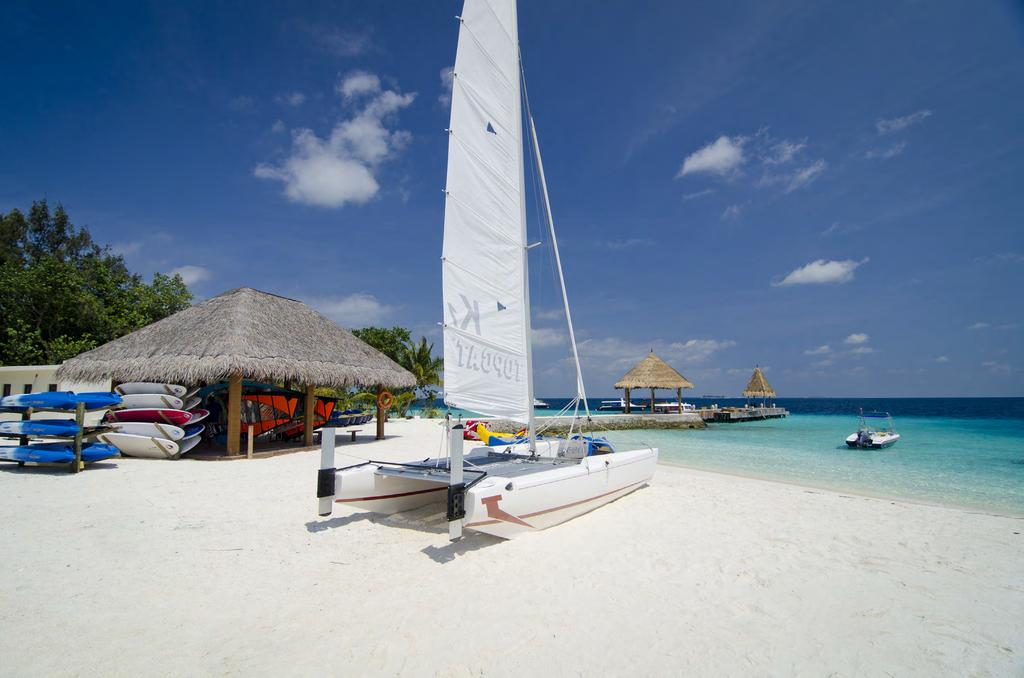 Dive & Water Sports Center The true essence of a Maldivian island paradise, Jumeirah Vittaveli is