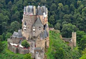 Day 6: Traben-Trarbach - Cochem 55 km You will discover Enkirch today, a jewel of the Moselle region s traditional half-timbered architecture.