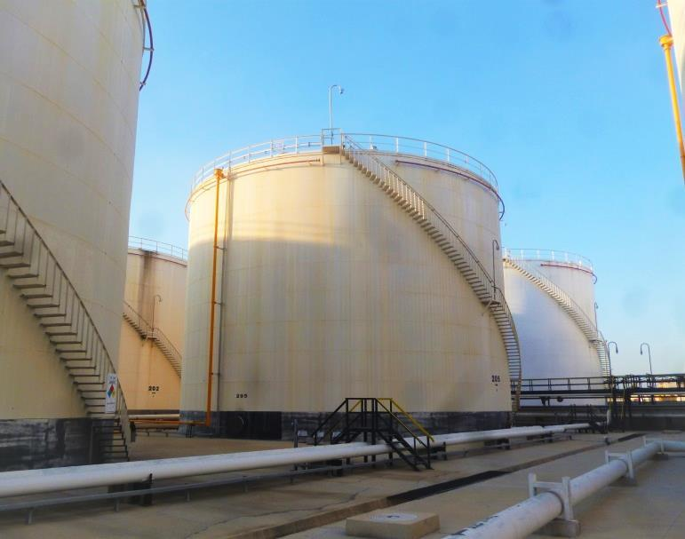 Oil storage tanks can deteriorate in the course of time due to rust, fatigue or cracks.